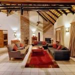 Lounge & Dining room 1